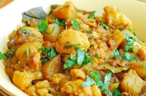 Aloo Gobi Recipe in Hindi – ढाबा स्टाइल आलू गोभी